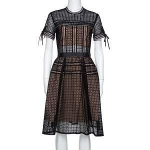 فستان سيلف بورتريه أوريلا حلقات أسود بطيات مقاس متوسط - ميديوم