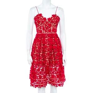 فستان سيلف بورتريت ميدي أزيليا حمالة رفيعة دانتيل غويبر زهور أحمر S