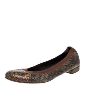 حذاء فلات ستيوارت واينزمان جلد نقشة الثعبان أخضر مقاس 41