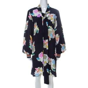 فستان تيبي مطبوع زهور كاميليا ربطة رقبة حرير أزرق كحلي M