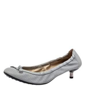 حذاء كعب عالي تودز جلد قصات ليزر رصاصي كعب كيتن مقاس 39.5