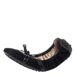 Tod's Black Suede And Patent Leather Bow Scrunch Ballet Flats Size 39