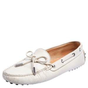 Tod's Off White Leather Gommini  Loafers  Size 38.5