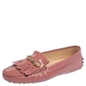 حذاء لوفرز تودز جلد وردي مزبن شراشيب ومشبك أمان مقاس 38.5