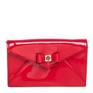 محفظة بسلسلة توري بورش جلد لامع أحمر بفيونكة