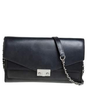 حقيبة كروس توري برش جلد أسود نمط الظرف