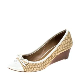 Tory Burch White Patent Leather And Beige Raffia Bow Wedge Pumps Size 36
