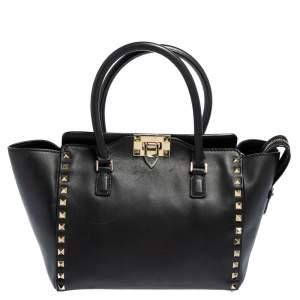 حقيبة يد فالنتينو ترابيز صغيرة مرصعة روكستد جلد أسود