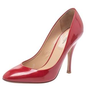 Valentino Red Patent Leather Rockstud Round Toe Pumps Size 39