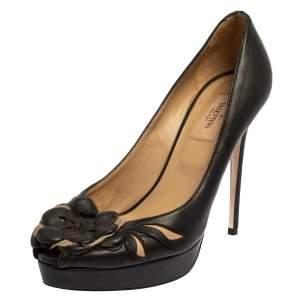 حذاء كعب عالي فالنتينو جلد أسود وقماش وردة مزينة مقدمة مفتوحة مقاس 38.5