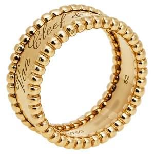 """خاتم فان كليف آند اربلز """"بيرلي"""" حلقة مزينة شعار الماركة ذهب أصفر عيار 18 مقاس 52"""