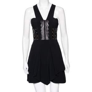 فستان قصير فيرساتشي كريب أسود حواف جلد بحلقات بلا أكمام مقاس صغير - سمول