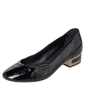حذاء كعب عالي فيرساتشي جلد لامع أسود مزخرف ميدوسا كعب سميك مقاس 36