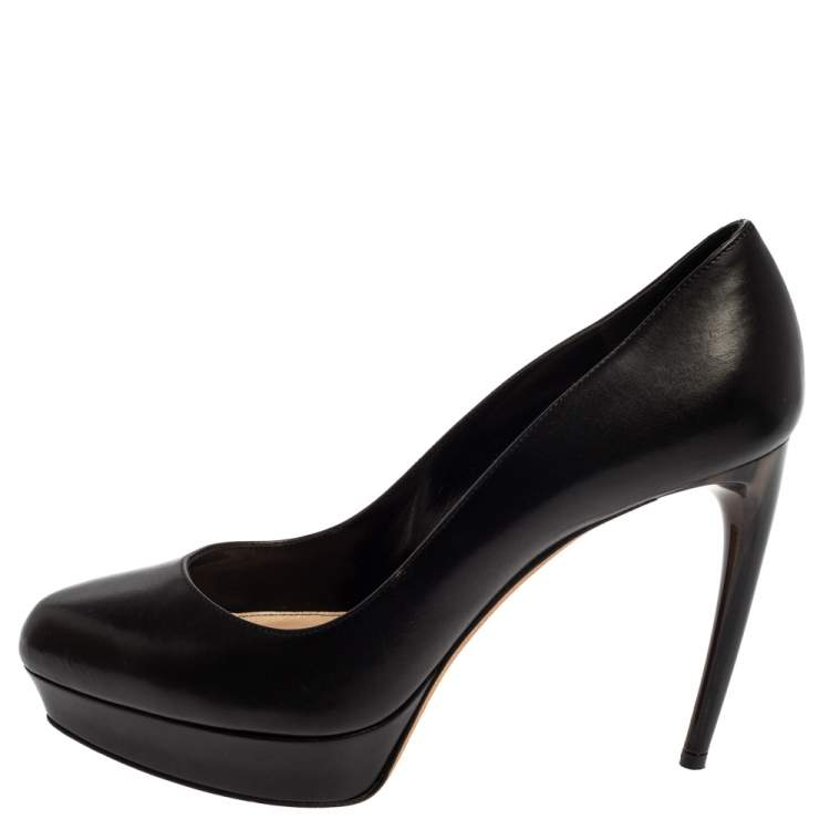 Alexander McQueen Black Leather Horn Heel Platform Pumps Size 37