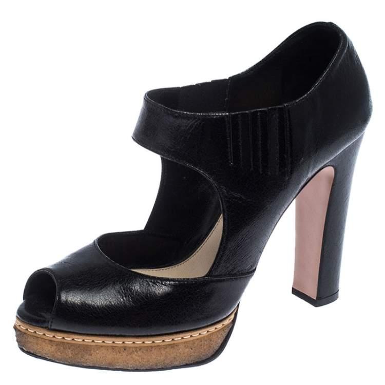 black elastic platform sandals
