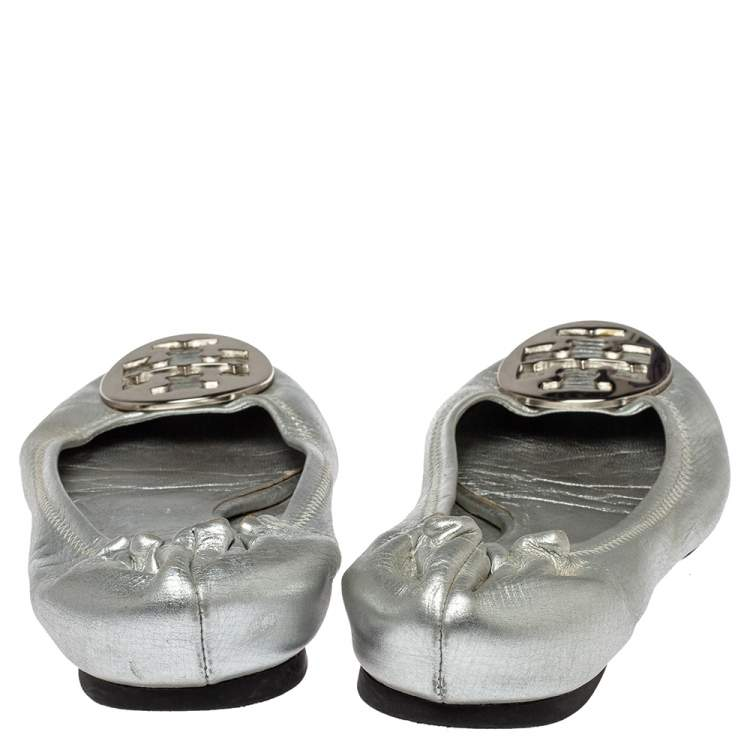 Tory Burch Metallic Silver Leather Reva Scrunch Ballet Flats Size 38.5