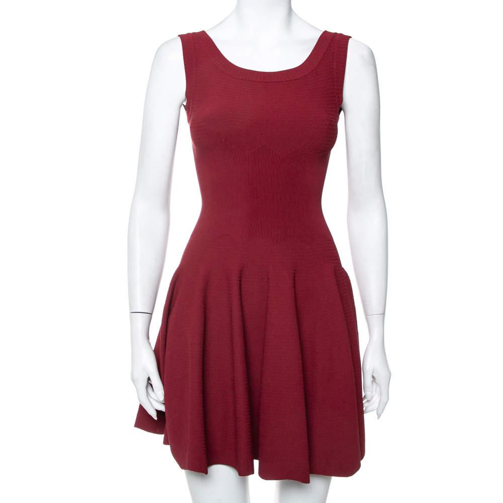 فستان سكيتر علايا تريكو عنابي بلا أكمام مقاس صغير - سمول