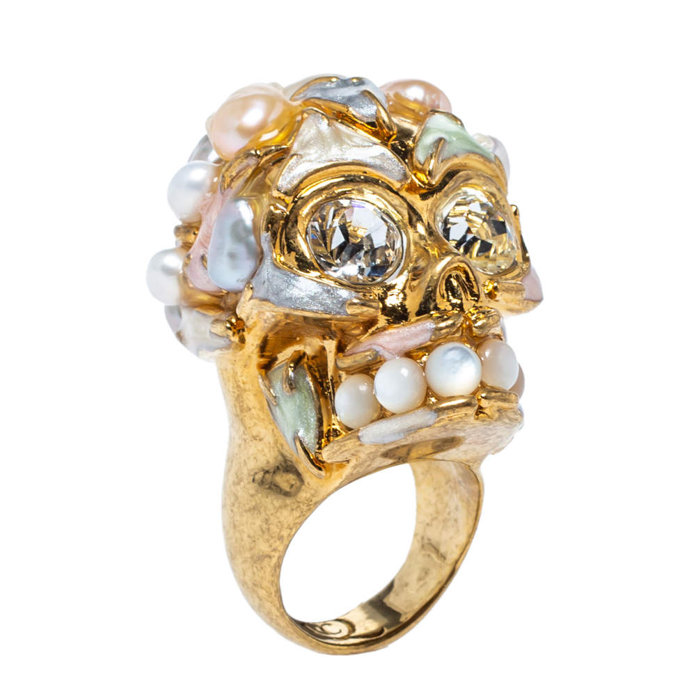 Alexander McQueen Skull Cultured Pearl Crystal Enamel Gold Tone Cocktail Ring Size 52.5