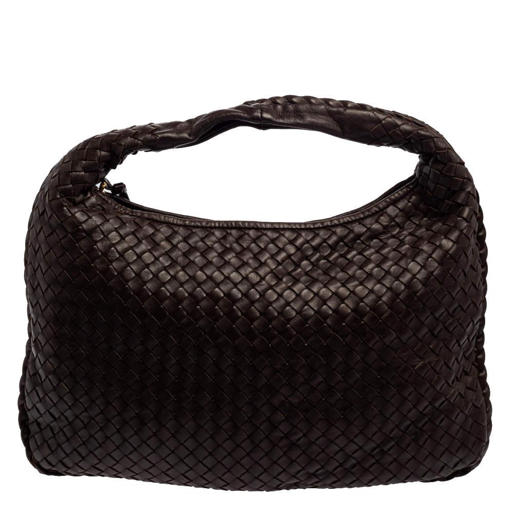حقيبة هوبو بوتيغا فينيتا صغيرة جلد إنترشييتو بنية داكنة