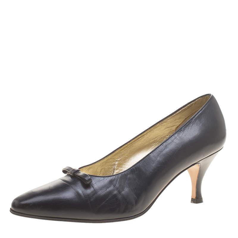 Bottega Veneta Black Leather Bow Pumps Size 40