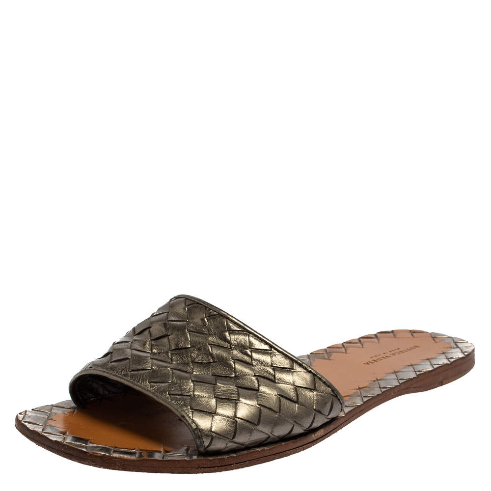 Bottega Veneta Metallic Grey Intrecciato Leather Flat Sandals Size 38