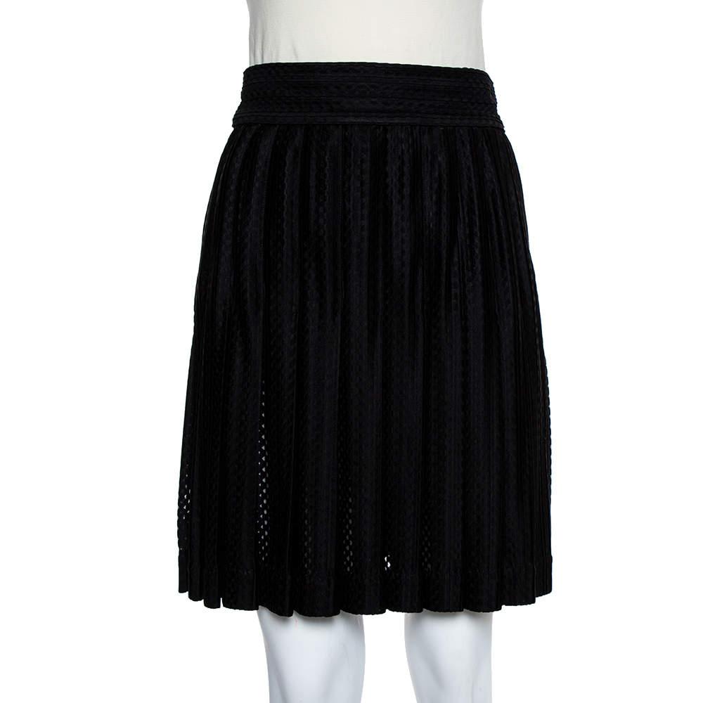 تنورة شانيل سوداء بطيات مقاس متوسط - ميديوم