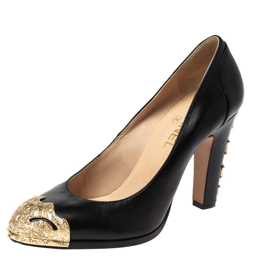 Chanel Black Leather Paris-Dallas Star Studded Pumps Size 39