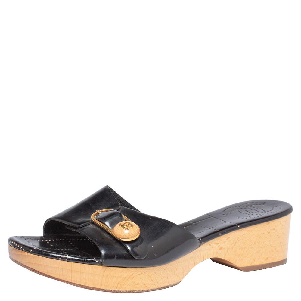 Chanel Black Patent Leather CC Buckle Detail Wooden Clog Slides Size 40