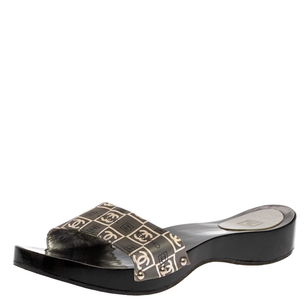 Chanel Grey/White CC Logo Print Satin Wooden Clog Slides Size 41