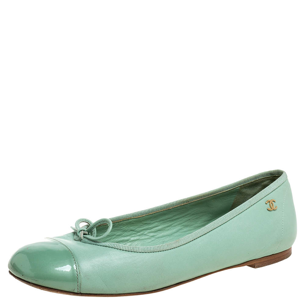 Chanel Green Leather And Patent Leather Cap Toe Bow Ballet Flats Size 37