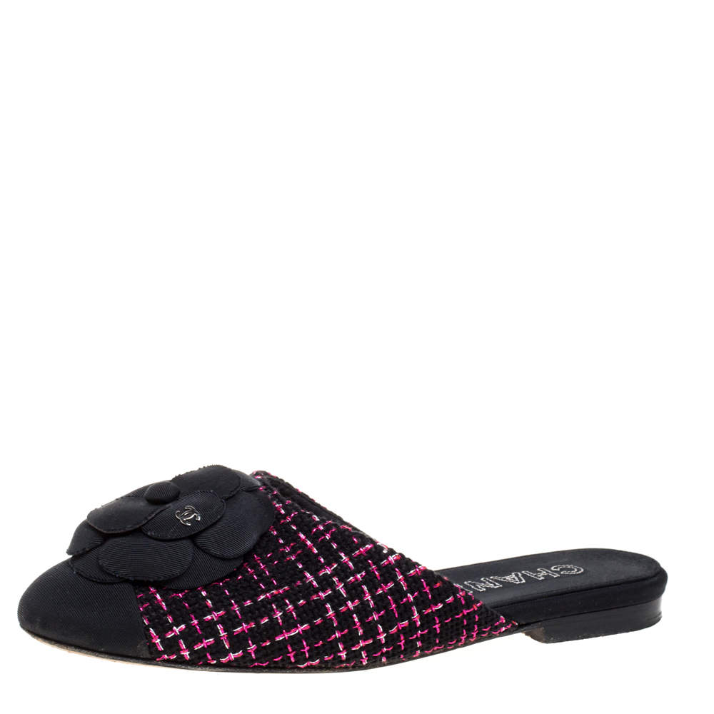 Chanel Black/Pink Tweed Fabric Camellia Flower Cap Toe Slide Mules Size 36.5