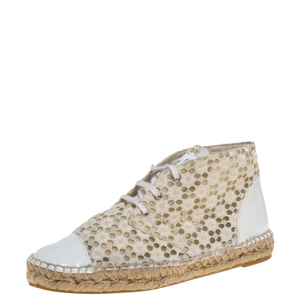Chanel White/Cream Eyelet  Lace And Patent Leather  Espadrilles Size 39