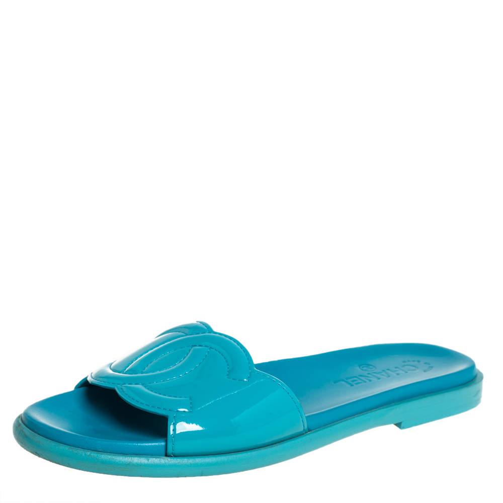 Chanel Blue Patent Leather CC Slide Sandals Size 40