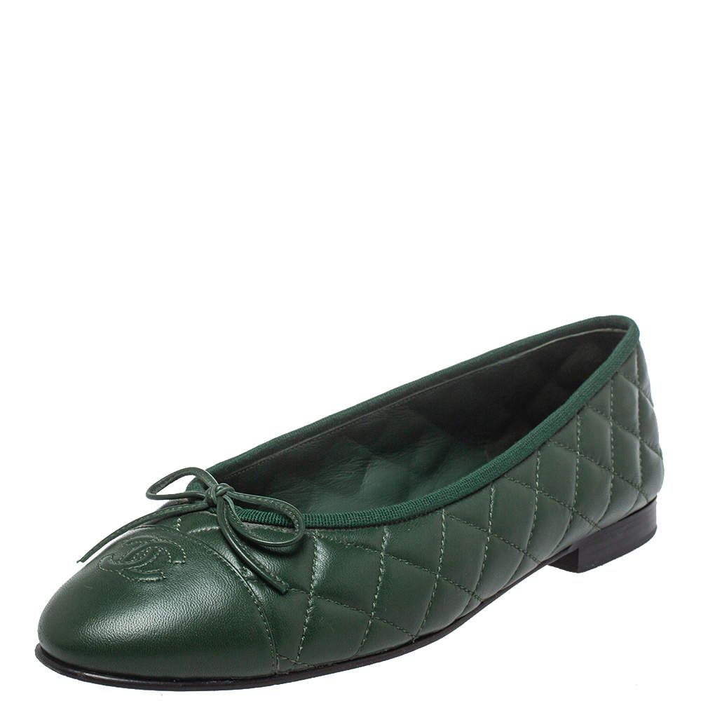 Chanel Green Quilted Leather CC Cap Toe Bow Ballet Flats Size 39.5