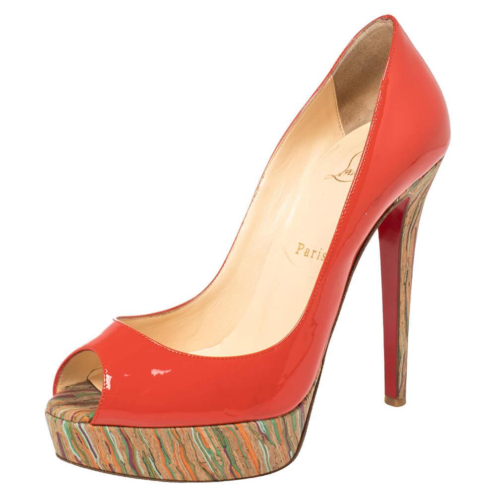 حذاء كعب عالى كريستيان لوبوتان مقدمة مفتوحة نعل سميك مقدمة مفتوحة ليدى فيلين وجلد لامع أحمر مقاس 38.5