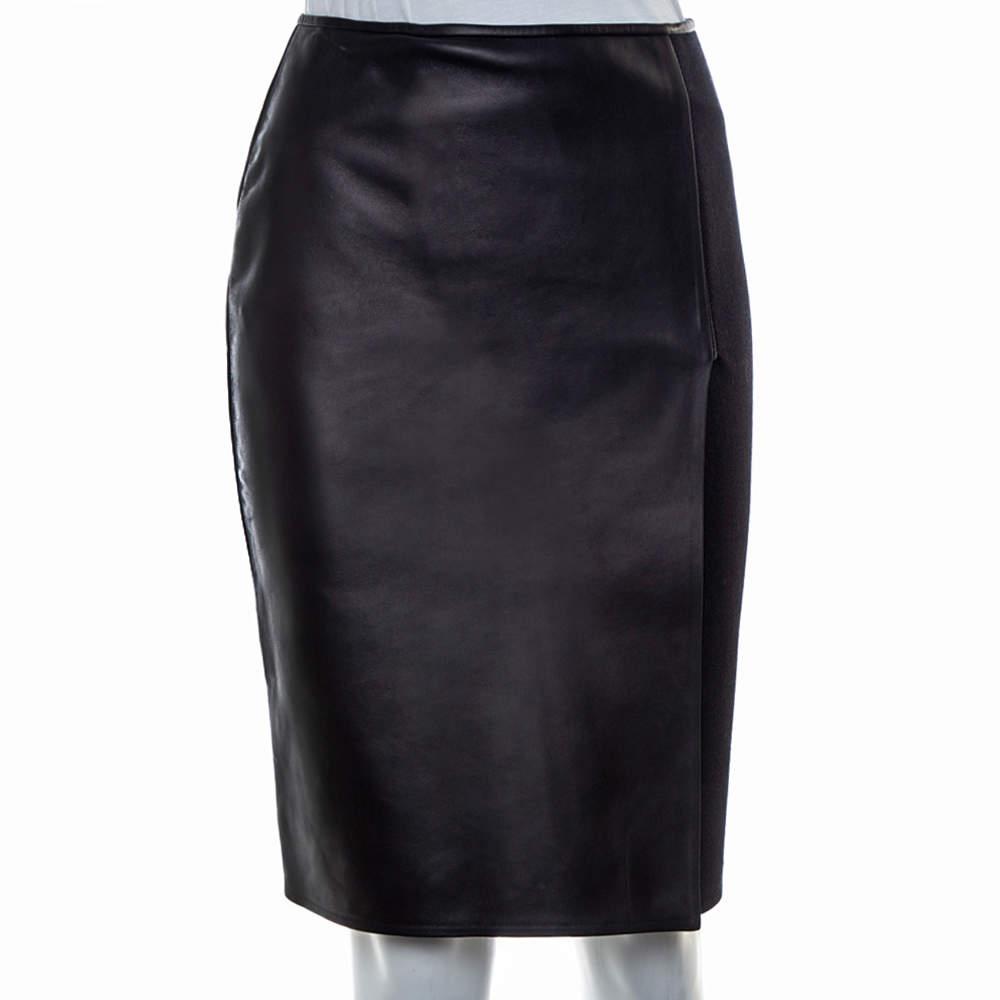 تنورة فندي طول للركبه مزينة فتحة تريكو و جلد أسود مقاس صغير (سمول)