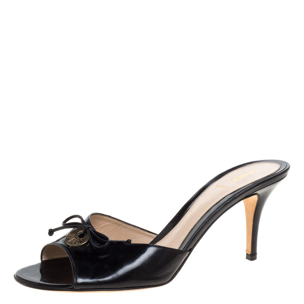 Fendi Black Patent Leather Logo Plaque Open Toe Sandals Size 41