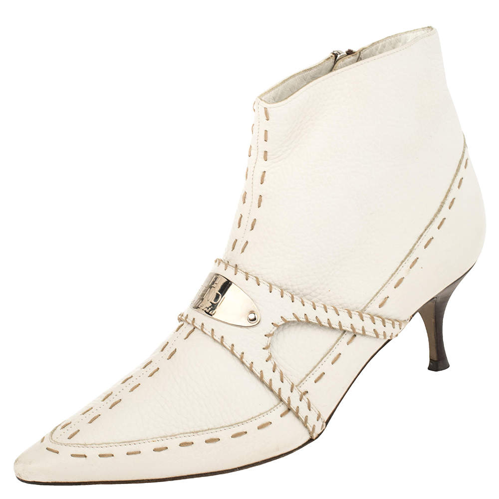 Fendi White Leather  Zipper Detail Pointed Toe  Boots Size 39