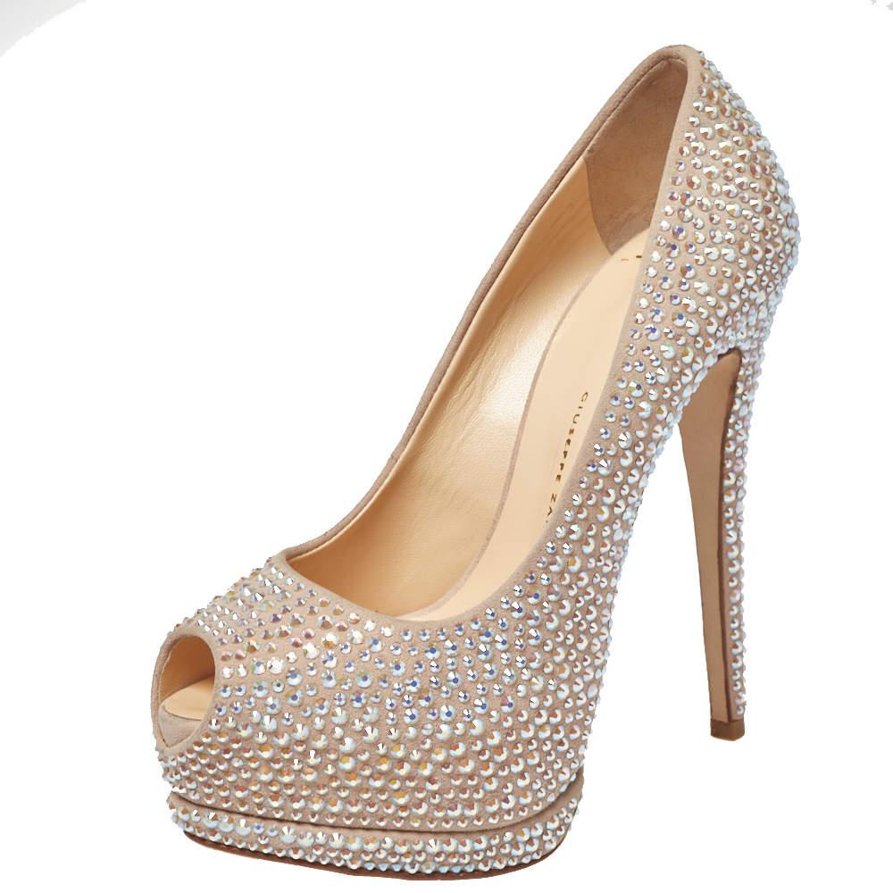 حذاء كعب عالي جوسيبي زانوتي ليزا مزخرف كريستال مقدمة مفتوحة و نعل سميك سويدي بيج مقاس 35