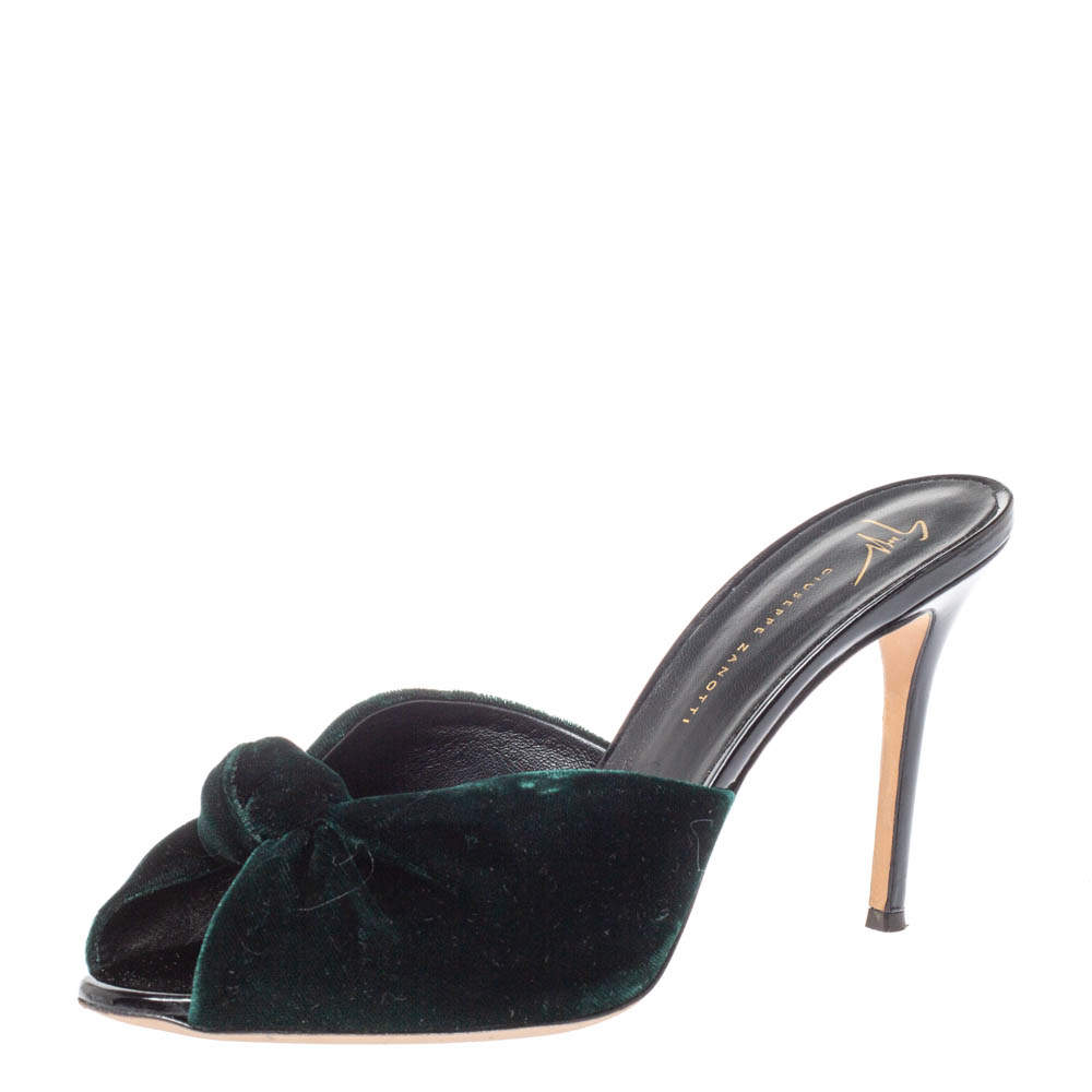 Giuseppe Zanotti Bottle Green Velvet Knotted Sandals Size 40.5