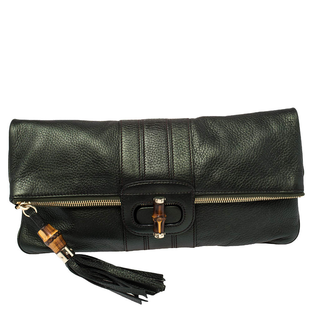 حقيبة كلتش غوتشي لوسي مطوية مزينة دلاية بامبو شراشيب جلد أخضر ميتاليك