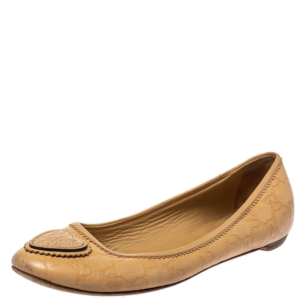 Gucci Beige GG Embossed Leather Crest Ballet Flats Size 40