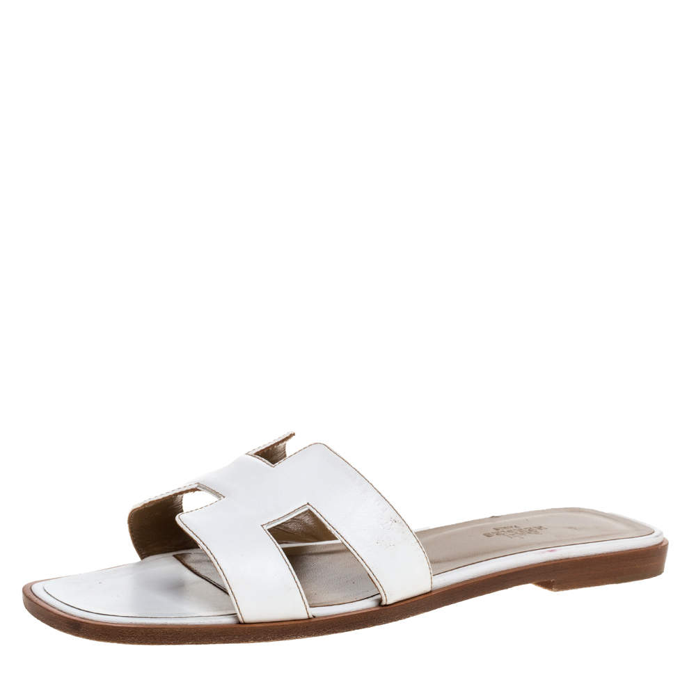 Hermes White Leather Oran Flat Sandals Size 38.5