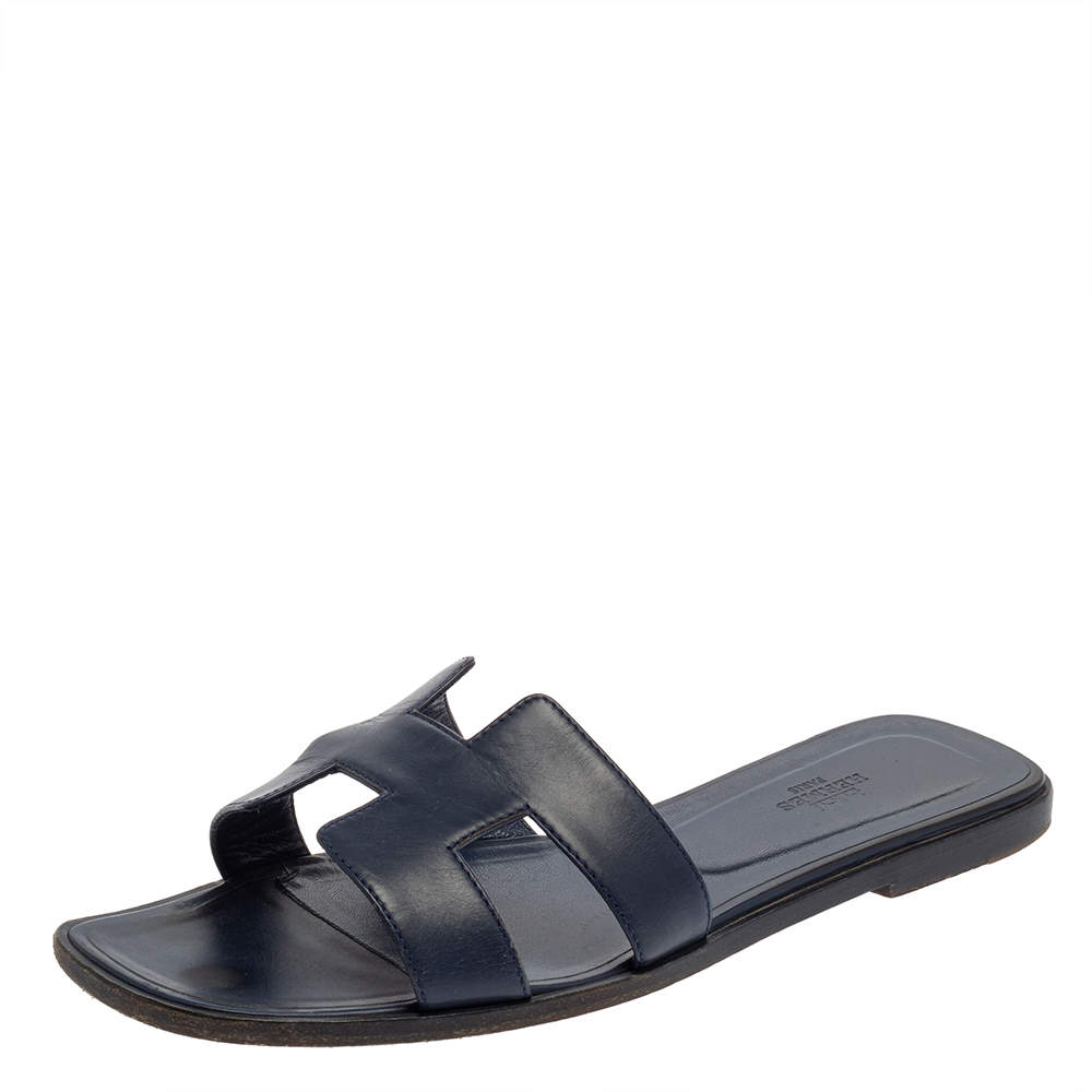 Hermes Blue Leather Oran Flat Sandals Size 40.5