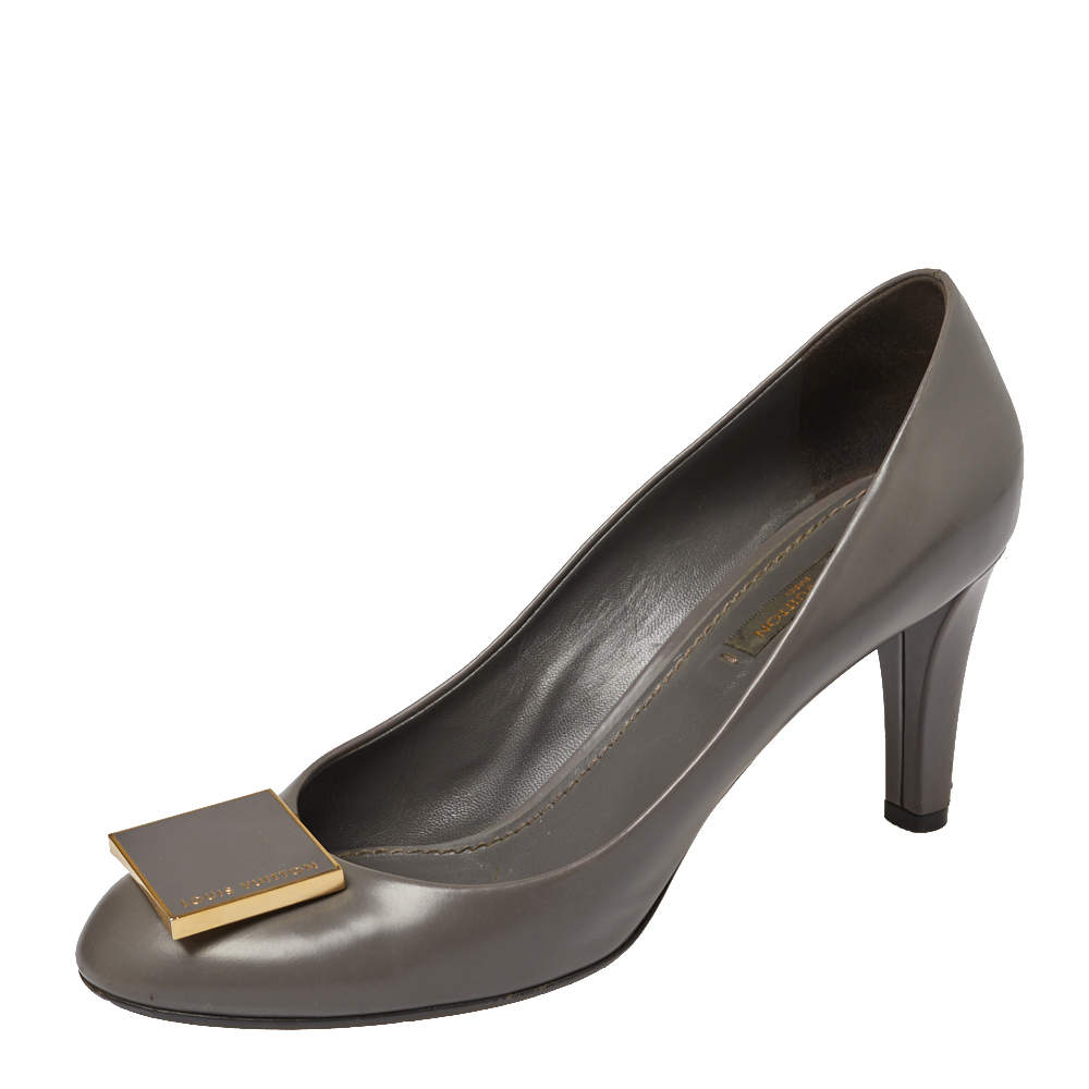 Louis Vuitton Grey Leather Logo Embellished Pumps Size 38