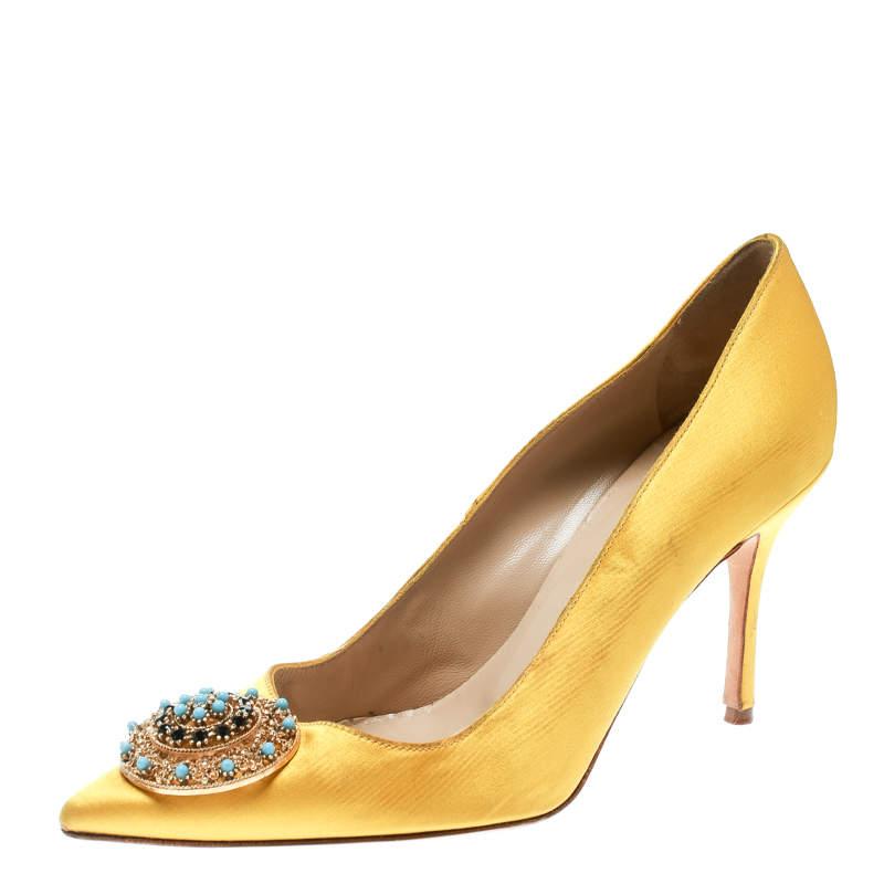 Manolo Blahnik Canary Yellow Satin Giuba Brooch Embellished Pumps Size 36.5