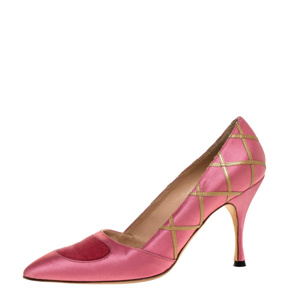 Manolo Blahnik Pink Satin Pointed Toe Pumps Size 38
