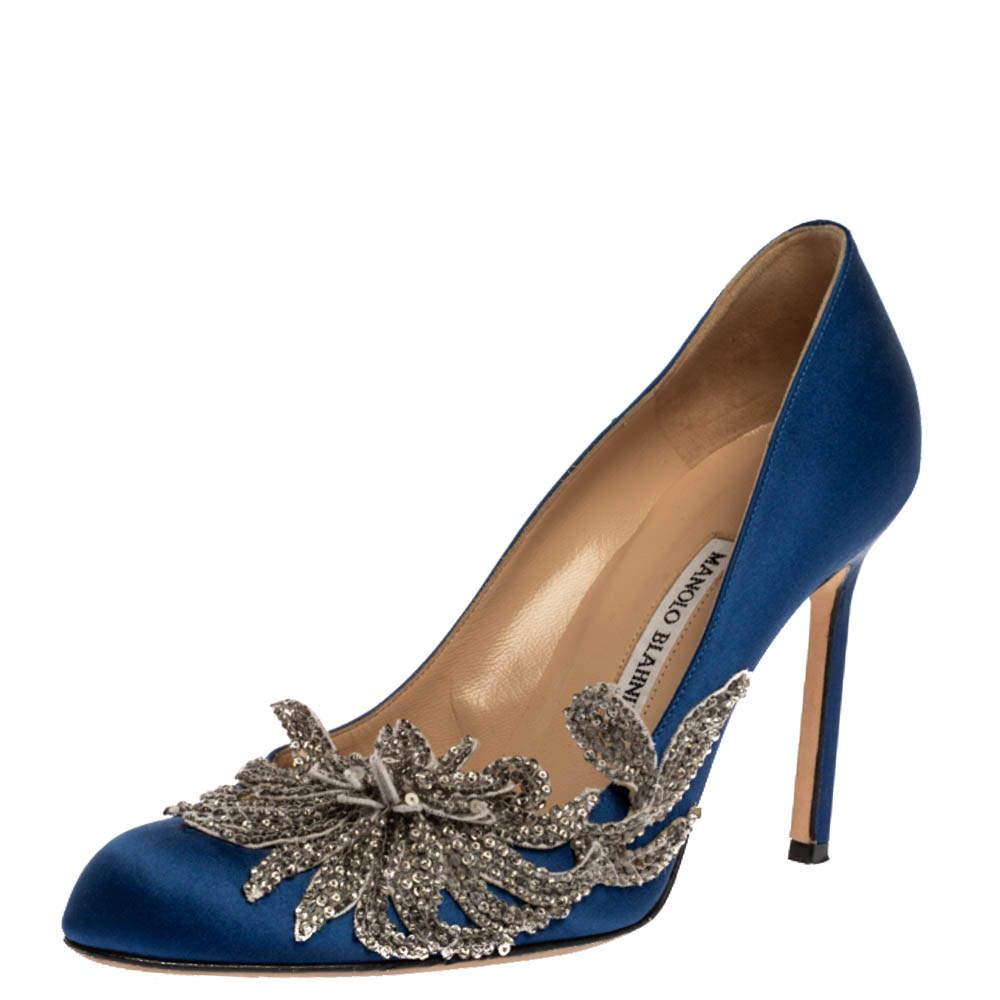 Manolo Blahnik Blue Satin Embellished Swan Pumps Size 39