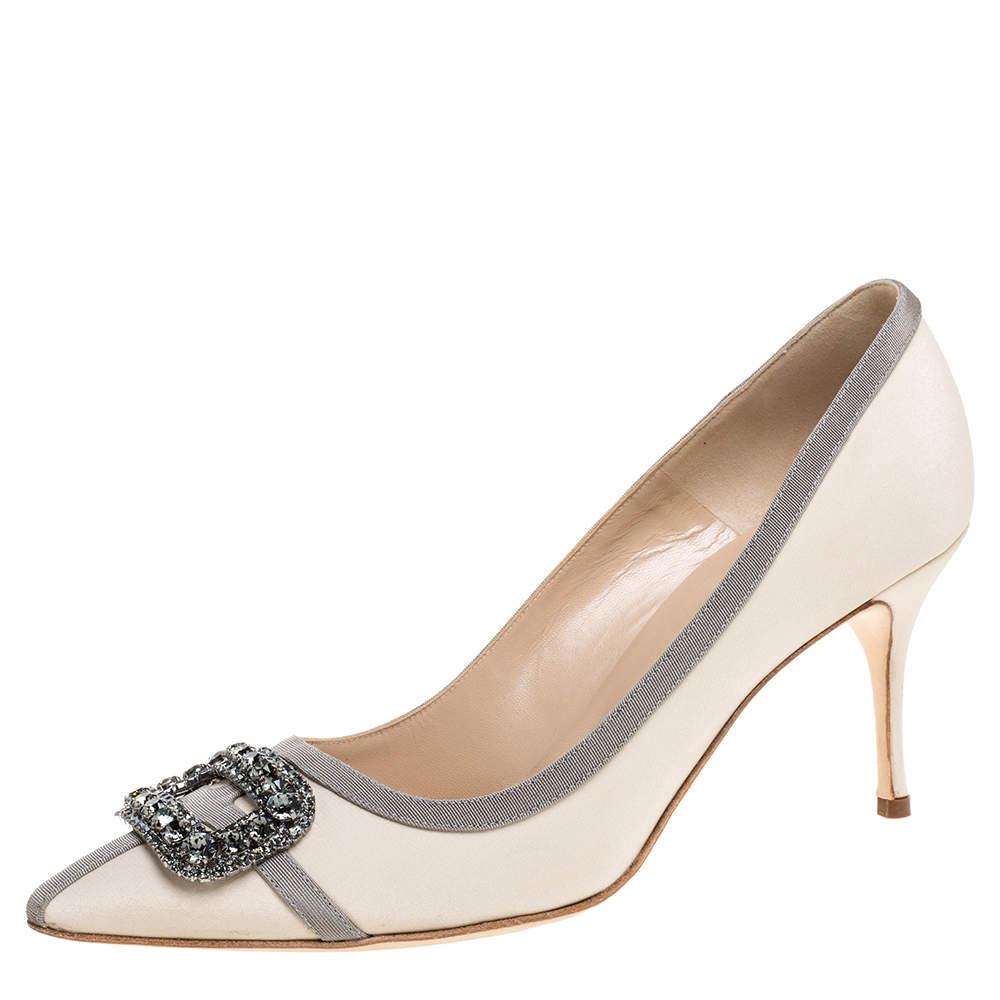 Manolo Blahnik Beige Satin Gotrian Crystal Embellished Pointed Toe Pumps Size 40.5