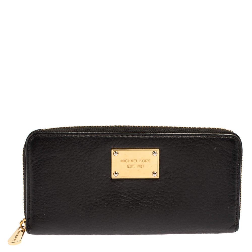 Michael Kors Black Leather Jet Set Zip Around Wallet
